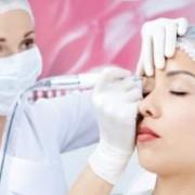 میک 300x200 1 180x180 - با میکروپیگمنتیشن نیازی به آرایش روزانه صورت ندارید!