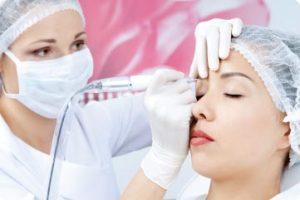 میک 300x200 1 - با میکروپیگمنتیشن نیازی به آرایش روزانه صورت ندارید!