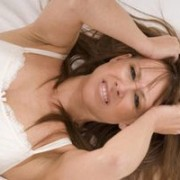 علت خارش واژن پس از رابطه زناشویی قلقلی خان 300x200 1 180x180 - درمان های خانگی برای رفع تحریک و خارش واژن