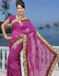 136345538610 234x300 1 - راز زیبایی موهای زنان هندی چیست؟