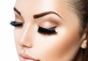 eyebrows 1 300x210 1 - با تزریق بوتاکس و لیفت ابرو ها، نگاهی زیبا و باز داشته باشید