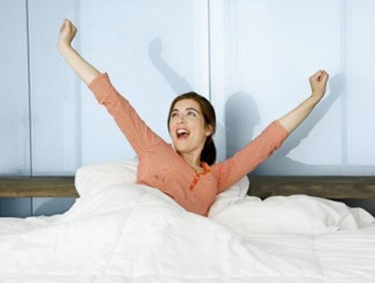 اصلی - 6 قدم زیبایی که بعد از بیدار شدن از خواب باید بردارید!