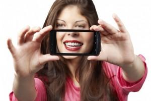 لبخند های هالیوودی-بالیوودی_ و ایرانی!
