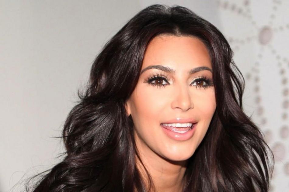 4665182 uae kim kardashian divorce 950x632 - همه چیز در مورد عمل های جراحی کیم کارداشیان (Kim Kardashian)