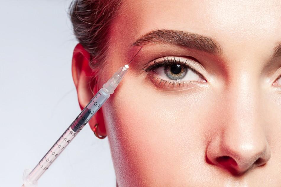 Post19 Botox for Beauty 950x634 - رفع خطوط پنجه کلاغی اطراف چشم