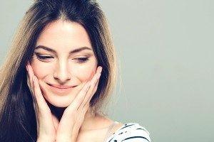 beautiful young woman clear skin 1 300x200 300x200 1 300x200 - تزریق بوتاکس: از چربی های صورتتان کلافه شده اید؟