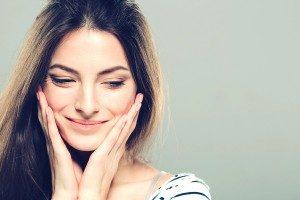 beautiful young woman clear skin 1 300x200 300x200 1 - تزریق بوتاکس: از چربی های صورتتان کلافه شده اید؟