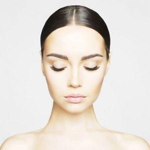 eyebrow 300x300 1 300x300 - لیفت صورت با نخ : چهره ای قلبی شکل داشته باشید