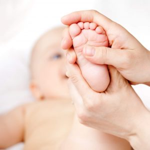 infant massage foot 300x300 - رفلکسولوژی را در چه مواقعی نباید انجام داد؟