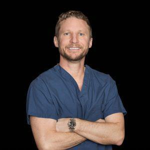 دکتر کنث آر. فرنسیس