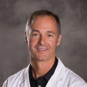 دکتر کوین رابرتسن