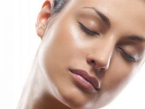 scar treat 300x225 1 300x225 - تجربه ی چهره ای شفاف و درخشان با از بین بردن جوش و اسکار