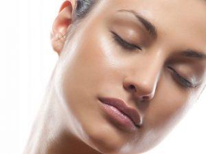 scar treat 300x225 1 - تجربه ی چهره ای شفاف و درخشان با از بین بردن جوش و اسکار