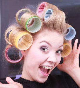 موها 273x300 - انقدر مو های خود را صاف یا فر نکنید!