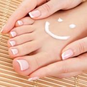 ناخن 180x180 - دست و پای زیبا با ناخن های زیبا!
