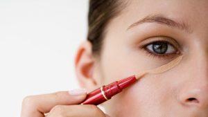 3 14 300x169 - اشتباهاتی در آرایش که شما را مسن جلوه می دهند!