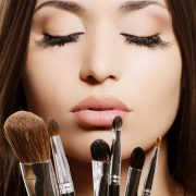 32 Makeup Tips That Nobody Told You About14 180x180 - 10 نکته آرایشی که قبلا هیچ کس به شما نگفته به همراه فیلم آموزشی آرایش چشم