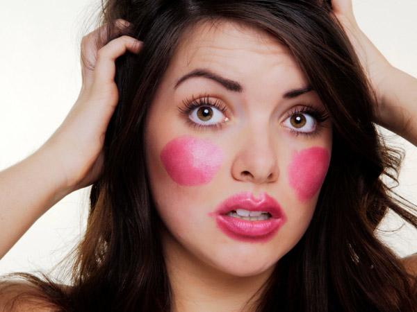 Most Common Beauty and Makeup Mistakes to Avoid - اشتباهاتی در آرایش که شما را مسن جلوه می دهند!