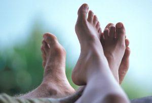 age rm photo of peoples feet 300x204 - درباره پدیکور چه میدانید؟