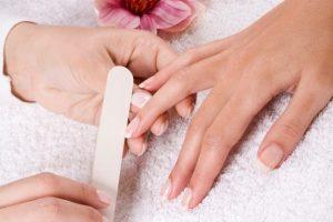 manicure 111111111 300x200 - درباره مانیکور چه میدانید؟