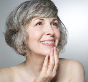 76314534 300x280 - نکات آرایشی برای خانم های مسن