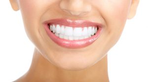 maintaining white teeth 300x166 - راز داشتن دندان های سفید چیست؟