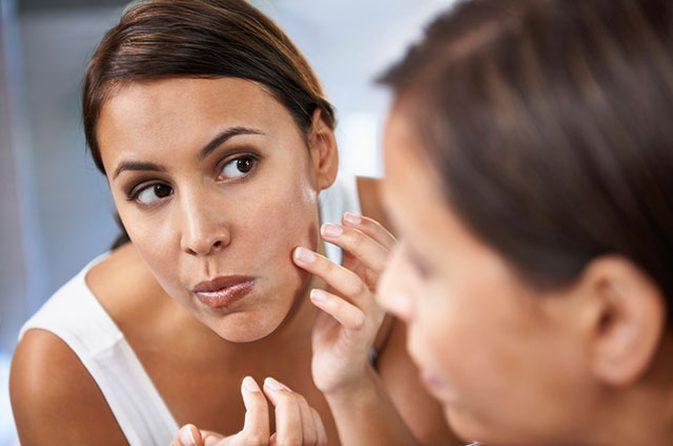 1 10 - مزایای استفاده از روغن ویتامین E برای پوست و مو
