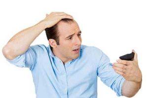 ar4 4535 300x200 - 21 علت برای ریزش مو که باید بدانید!بخش دوم