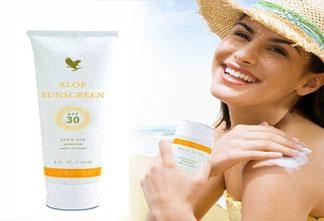 Aloe Sunscreen2 1 - کرم ضد آفتاب که می زنید این 13 نکته را فراموش نکنید