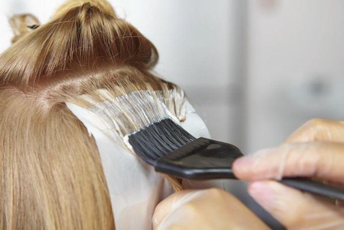 hair dye 1 - رنگ کردن مو در دوران بارداری و خطرات آن