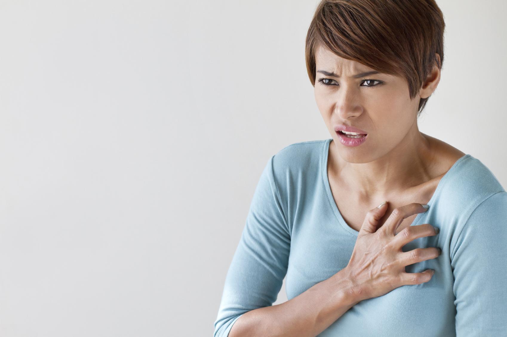 iStock 000045920574 Medium - بانوان باید این 8 علامت سکته قلبی را جدی بگیرند !