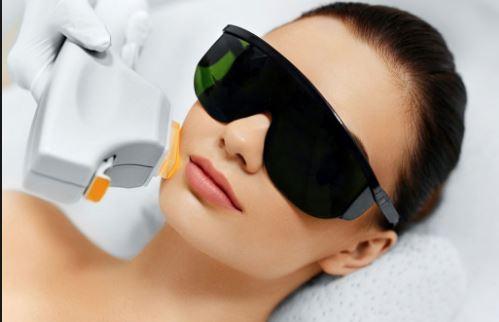 صورت8 - لیزر موهای زائد صورت - مهمترین نکات در مورد لیزر موهای زائد صورت
