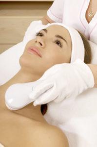 laser hair removal woman tall 199x300 - لیزر دایود بهتر است یا الکساندرایت| فرق دستگاه لیزر دایود و الکساندرایت چیست؟| لیزر دایود
